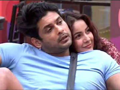 BB13: Sidharth, Shehnaz kiss and patch-up