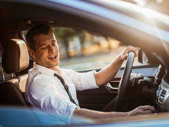 Stress caused by driving can be reduced by listening to music: study