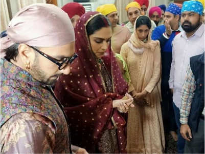 Watch: DeepVeer on their way to Golden Temple
