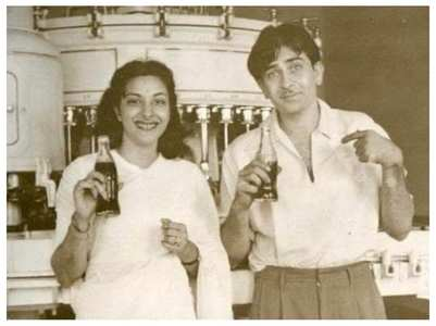Rishi Kapoor shares Raj-Nargis' throwback pic