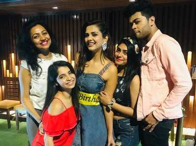 BB 13's Dalljiet celebrates b'day with gang