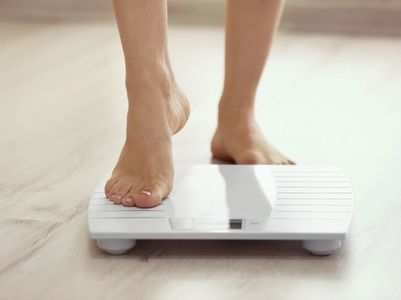 4 ways to stick to your weight loss plan this winter