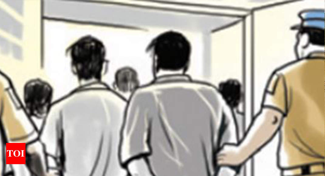 Six women rescued, four pimps held as Goa police bust sex racket - Times of India