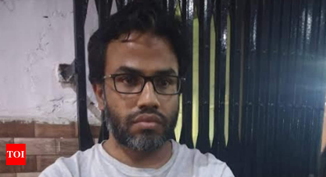 Lucknow police arrest Delhi resident for objectionable comments on social media - Times of India
