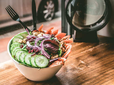 Here is why you should avoid eating raw food, as per Ayurveda
