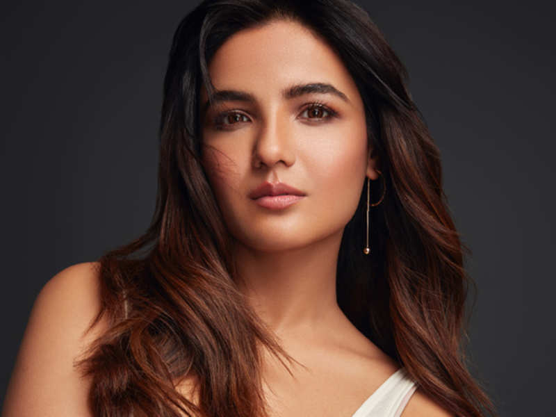 Jasmin Bhasin: Playing naagin is not only exciting but also challenging - Times of India