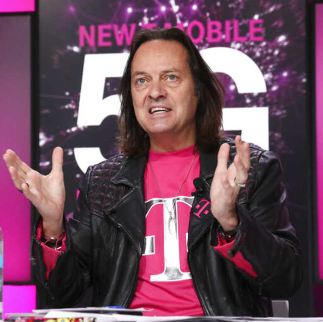 T-Mobile CEO John Legere to resign next year