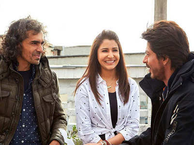 When SRK got too nervous to talk to a girl