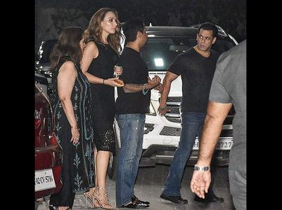 Iulia joins Salman for Helen's b'day bash