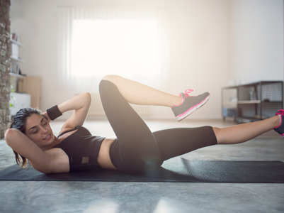 Weight loss: 5 common mistakes people make while doing crunches