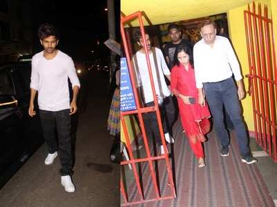 Pics: Kartik visits temple in Juhu on his bday