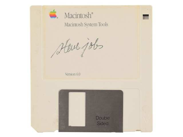 This floppy disk signed by Steve Jobs may sell for as much as Rs 5.5 lakh