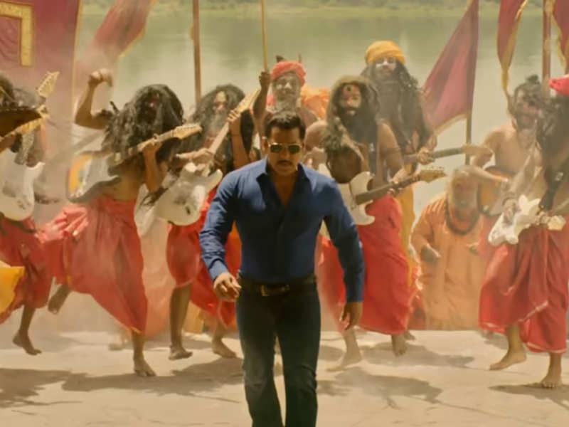 #BoycottDabangg3 versus #AwaitingDabangg3: Internet stands divided over Salman Khan's cop drama – here's why!