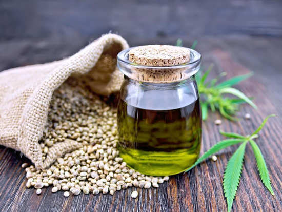 All the beauty and skin benefits of hemp oil you should make use of