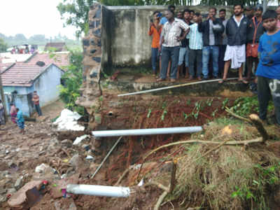 Image result for Three houses collapsed due to heavy rains in Coimbatore