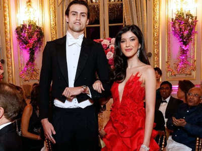 Watch: Shanaya's grand debut at le Bal Paris