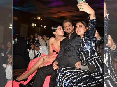 DP, SRK, Sonakshi are unmissable in this selfie