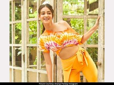Photo: Ananya's fruit obsession continues