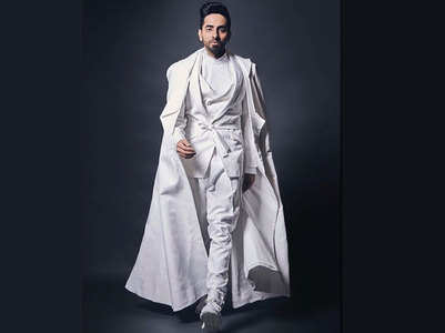 Video: Ayushmann impersonates Big B