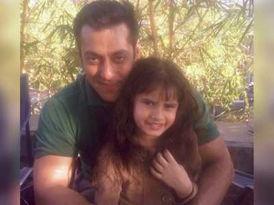Adorable pic Salman with Raveena's daughter