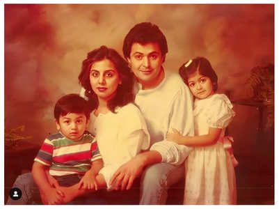 Ranbir looks cute in this family portrait