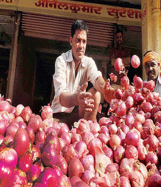 Sold by farmers for Rs 90 a kilo, why onions cost Rs 160 a kilo