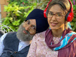 Diljit Dosanjh and Sonam Bajwa's new look for the upcoming song is just unmissable!
