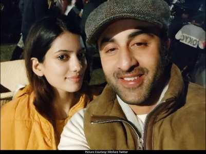 Ranbir clicks selfie with his make up artist