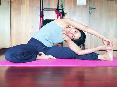 Photo: Mallika beats Monday blues with a yoga