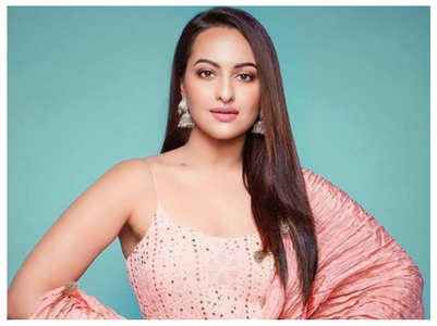 Sonakshi wants to romance THIS actor onscreen