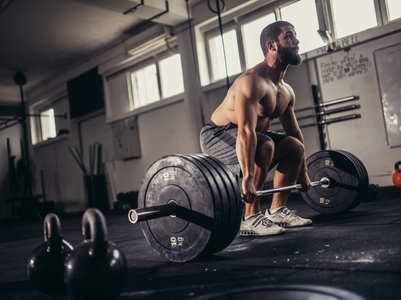 4 things you should know before lifting a barbell for the first time