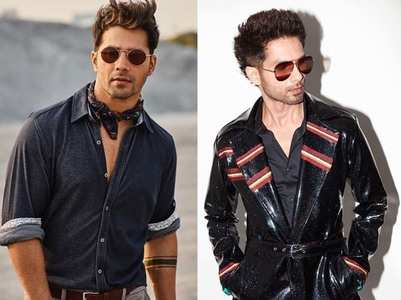 Shahid's exit, Varun's entry at an award show
