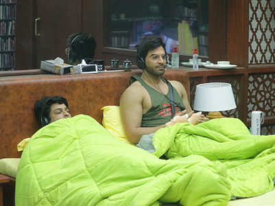 Sid tells Paras he was Rashami's 'naukar'