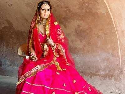 Hina Khan goes traditional
