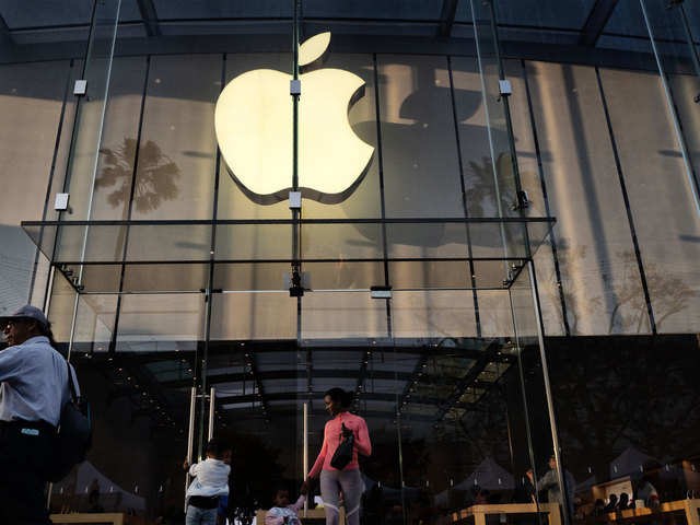 Apple accused of using legal power to curb jailbreaking