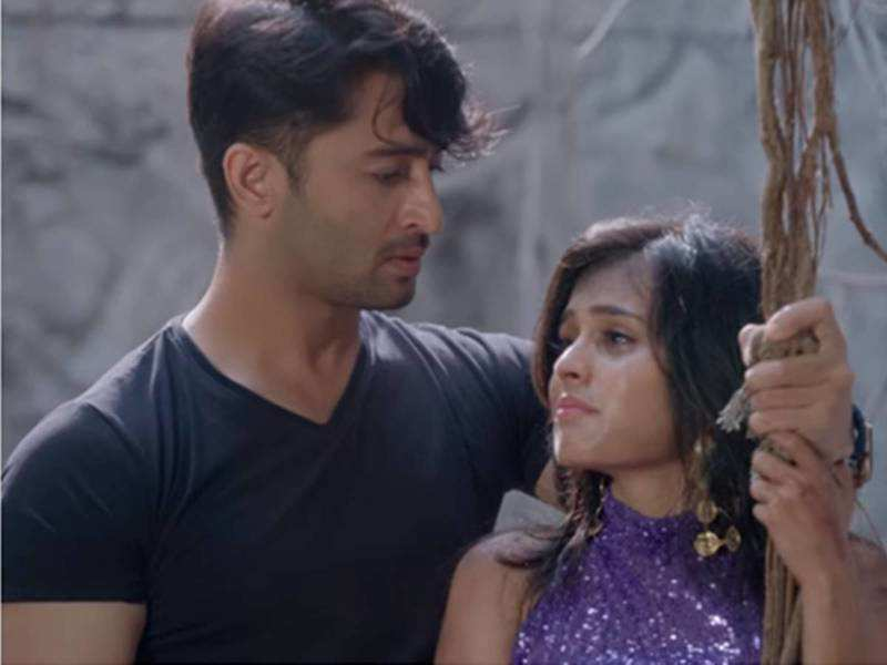 Yeh Rishtey Hain Pyaar Ke update, December 12: Abir goes to save Mishti