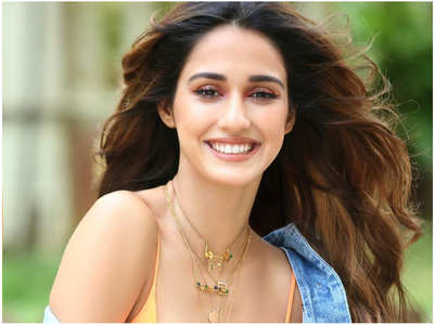 Disha Patani is an amazing hairstylist?