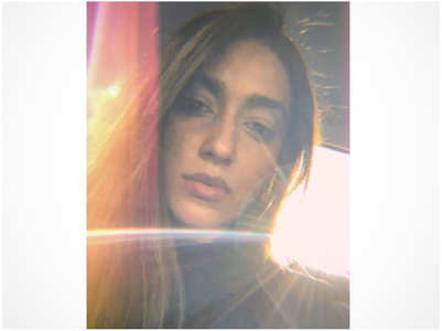Ileana's sun kissed selfie is drool-worthy!
