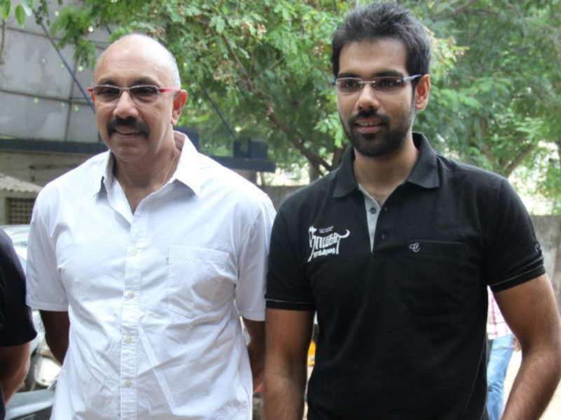 Sibi Sathyaraj wishes father on receiving Filmfare award