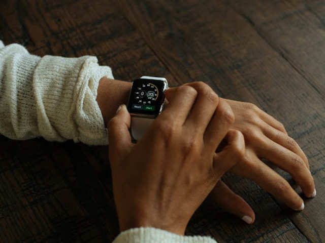 NY doctor sues Apple over atrial fibrillation sensor in Watch