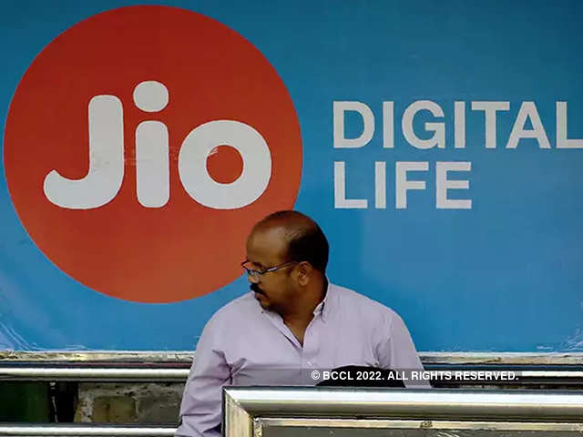 Reliance Jio beats Airtel, Vodafone in new subscribers for October