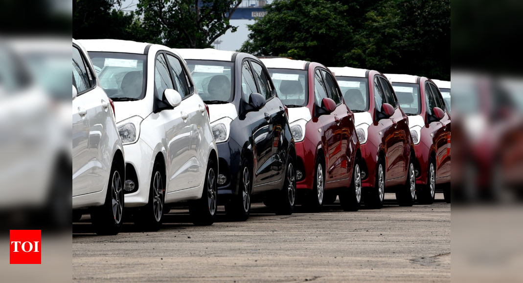 Car sales dip most in 2 decades in 2019 - Times of India thumbnail