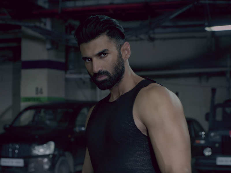 Aditya Roy Kapur On Ditching The Chocolate Boy Look In Malang Been Waiting For The Chance To Do Something Like This Hindi Movie News Times Of India