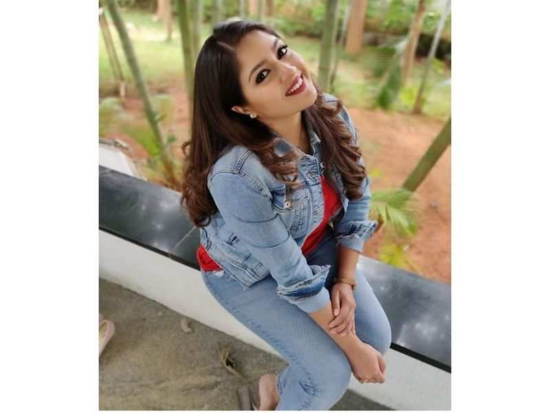 Meghana Raj Shares A Pic From The Sets Of Buddhivanta 2 Kannada Movie News Times Of India