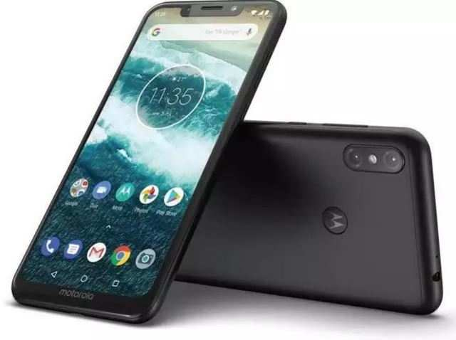 This Motorola phone is getting the latest Android 10 update