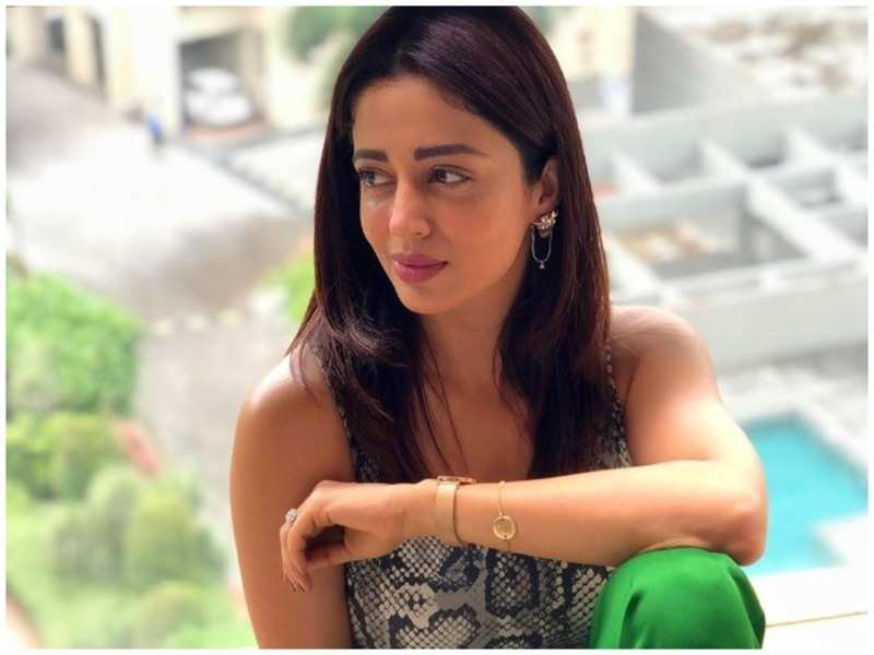 Nehha Pendse What S The Big Deal If My Husband Is Twice Divorced