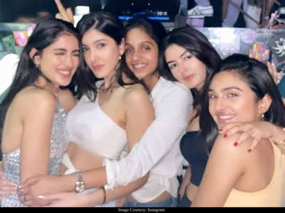 When Navya Nanda bonded with Shanaya Kapoor