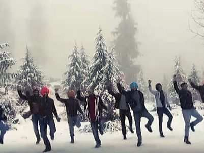 Snow Bhangra: Viral video of college boys
