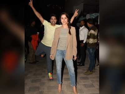 Varun photobombs Shraddha's picture