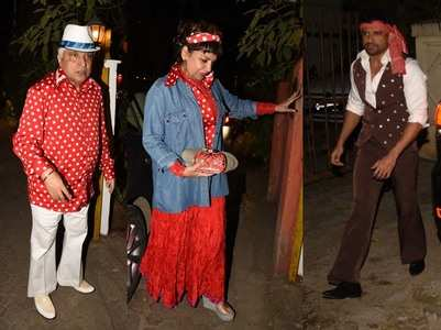 Photos: Javed Akhtar's retro themed bday bash